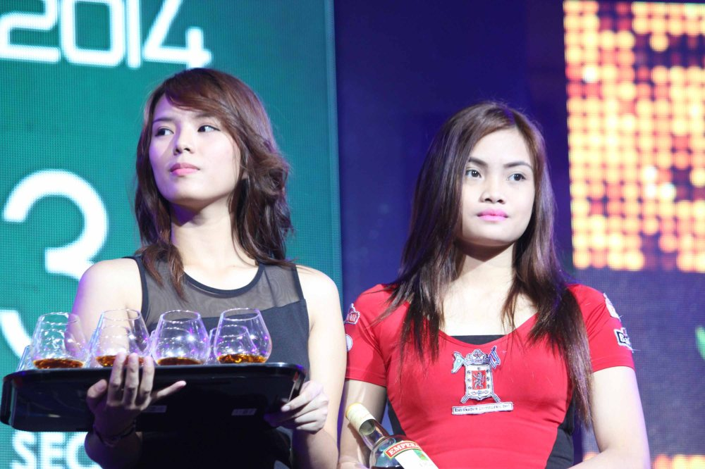 EMPERADOR LIGHT girls at the Eastwood City New Year Countdown to 2014, December 31 at the Eastwood Mall Open Park. Photo by Jude Bautista